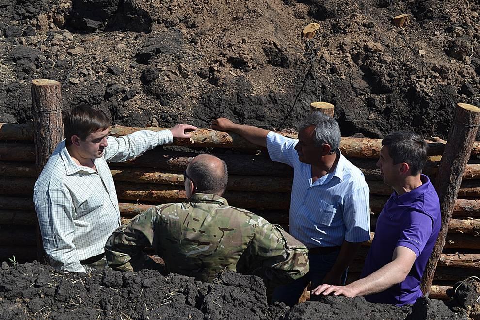 Допомога учасникам АТО, будівництво фортифікаційних споруд на Сході